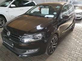 ^2014 VW Polo 1.4i Comfortline-New Alloys and tyres-Only R159900