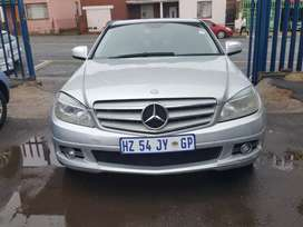 2008 Mercedes Benz C180 automatic with leather seats