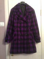 Красивое двубортное пальто с шерстью в клетку naf naf