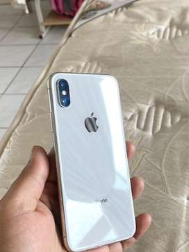 iPhone X 64G - Almost brand new