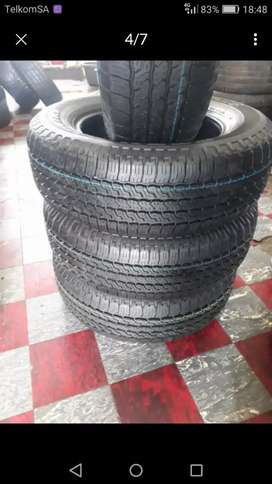 245/65/17 Toyo A/T25 tyres