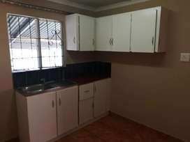 Outbuilding to let in Northdale, Bombay Heights