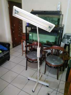 Jewelers/magnifier lamp on wheels
