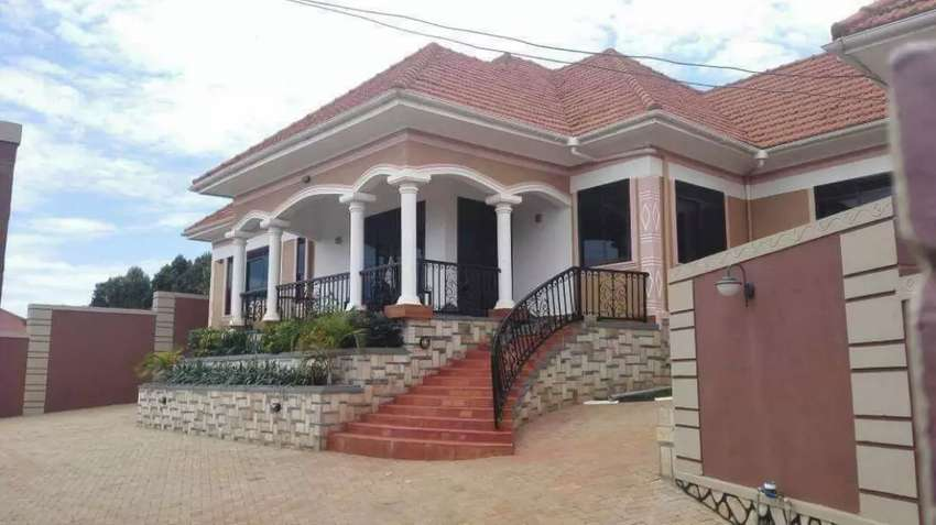 House for SALE in  Seguku katale off  Entebbe Rond 0