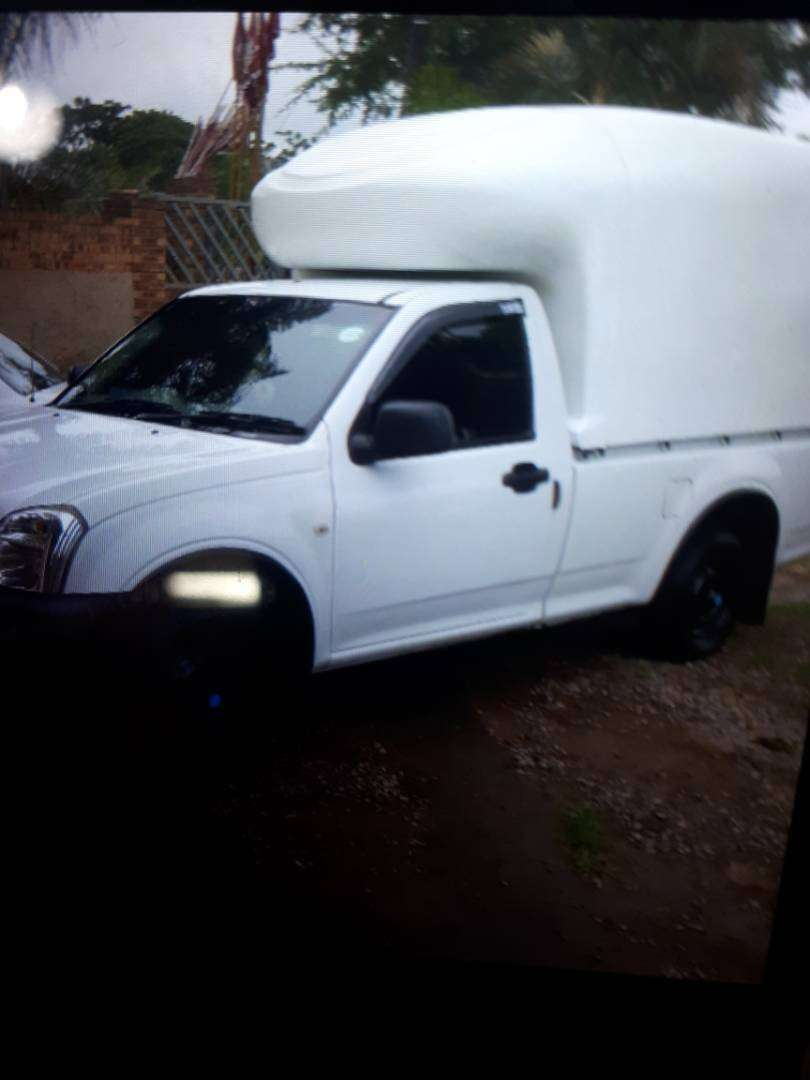 Used bakkie with canopy for immediate sale. 0