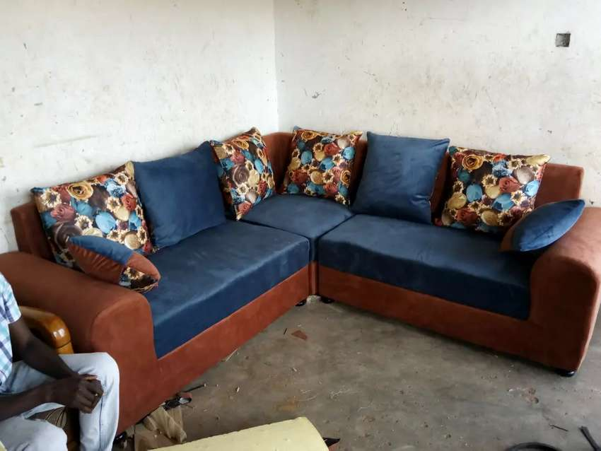 Sofa sets ready to take 0