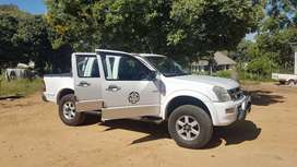 Kb300 isuzu in very good condition a must see vehicle