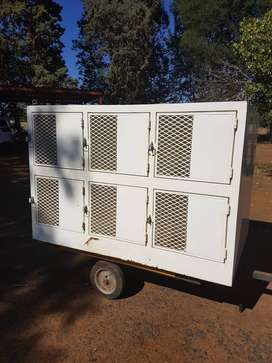 Dog travelling box with 12 compartments