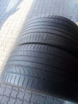 325/35/R22 continental normal Tyres