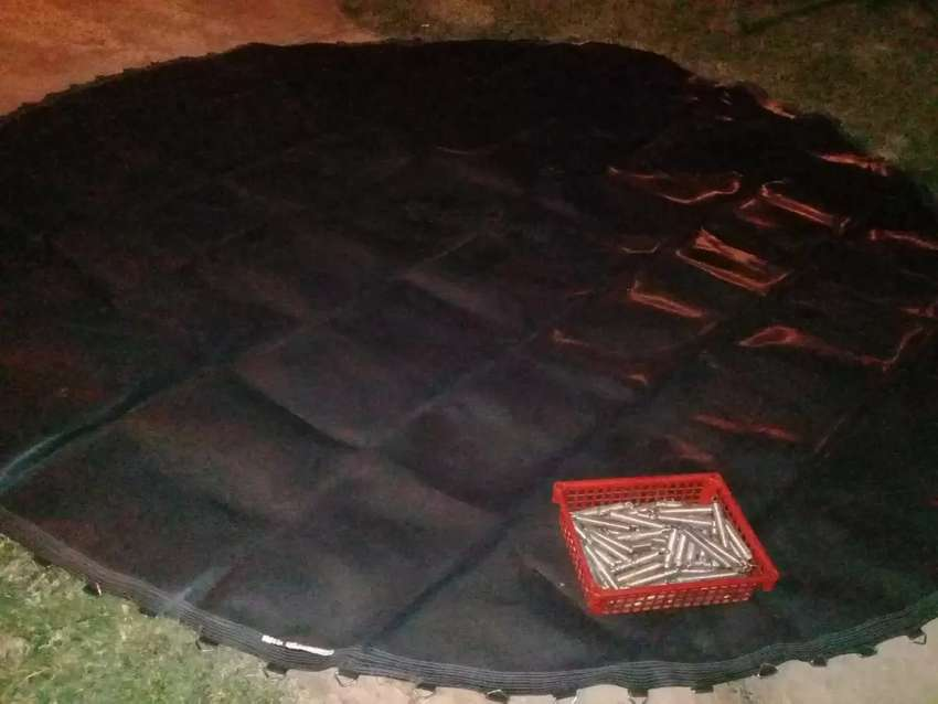 3,7 m Trampoline mat with springs 0