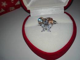 кольцо с тремя подвесками 16 размер