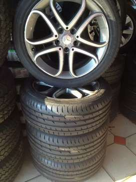 17 inch Original Mercedes rims /new tyres combo