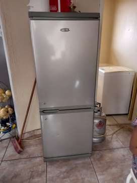 I'm selling a fridge for R700 hard some few scratches. It need regas