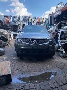 Nissan juke stripping for parts