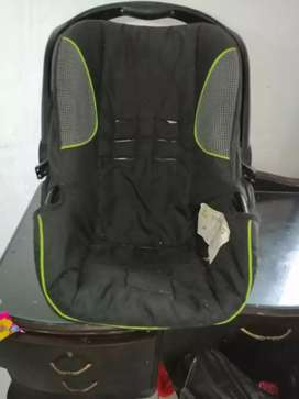 Selling pram with clip in car seat
