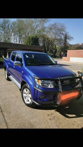 A reliable Toyota hilux 2.7 double cab