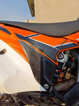 Ktm 350  sx -f  looking  for plastic