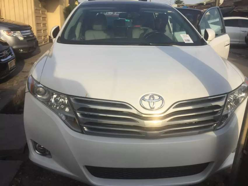 Tokunbo 2010 model Toyota Venza v6 Thumbstart panoramic roof for sale 0