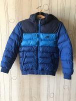 Куртка зимняя подростковая Nike (размер М, 10-12 лет)