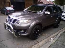 2011 Toyota Fortuner,automatic,leather interior, 123,000km, 4.0V6