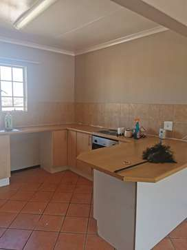 1 bedroom available in a 3bedroom flat. Jean Avenue R2950