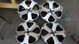 17inch Kia rims set for sell in very good condition