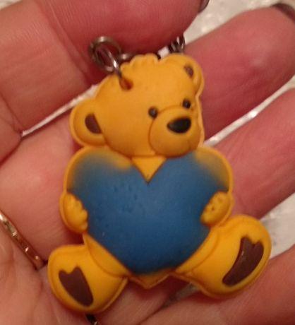 детский брелок на портфель резиновый мишка медведь сердце