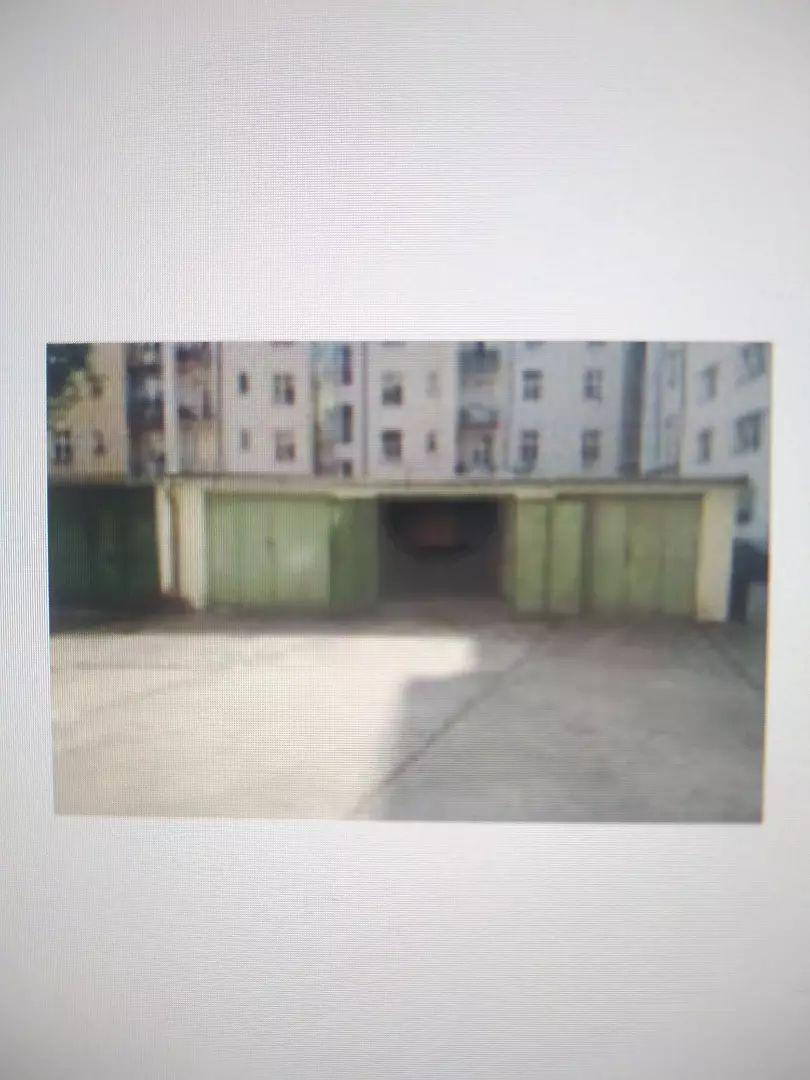 Prodám garáž v Dejvicích v OV 0