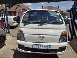2014 Hyundai (H100) (2.6) Manual