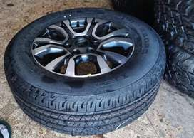 18inch Ford Ranger Wildtrack original mag with brand new 265/60/18 Con
