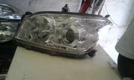 Toyota verso head light in good condition