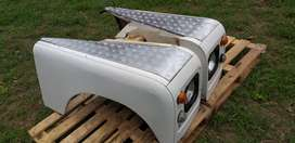 Land rover fenders/wings (complete)