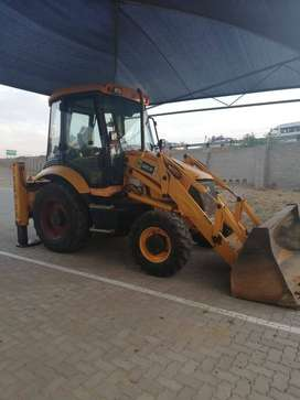 Bargain JCB 3cx 4x4 2007 year model in a good condition TLB for sale.