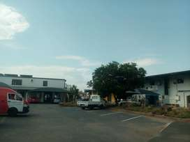 Industrial retail space to let