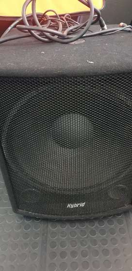 Hybrid 18 active inch Sub x 2 with cables