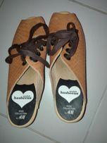 Hasbeens of Swedish buty klapki,koturn drewniaki dla kobiety od H&M