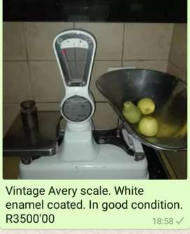 Vintage Avery scale
