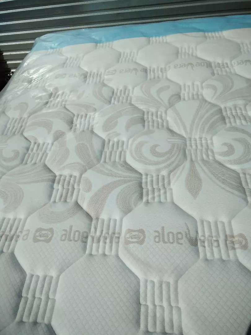 Sealy bed's for sale 0