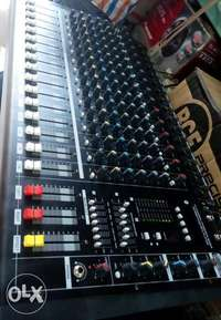 Powered mixer 16 channels(Max) 0