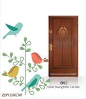 Drewniane solidne drzwi zewnetrzne