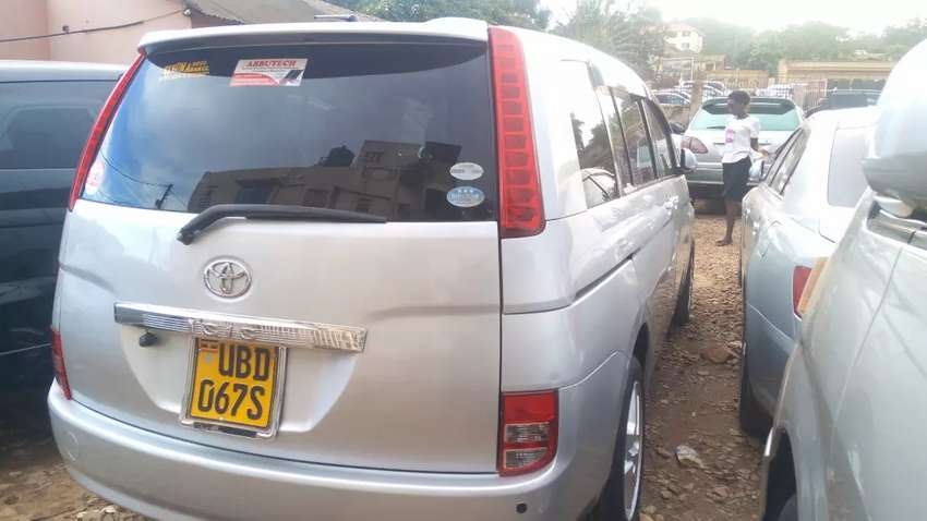 Toyota ISIS For Sale UBD 0