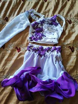 Dress for sale for petite 5to 7years old