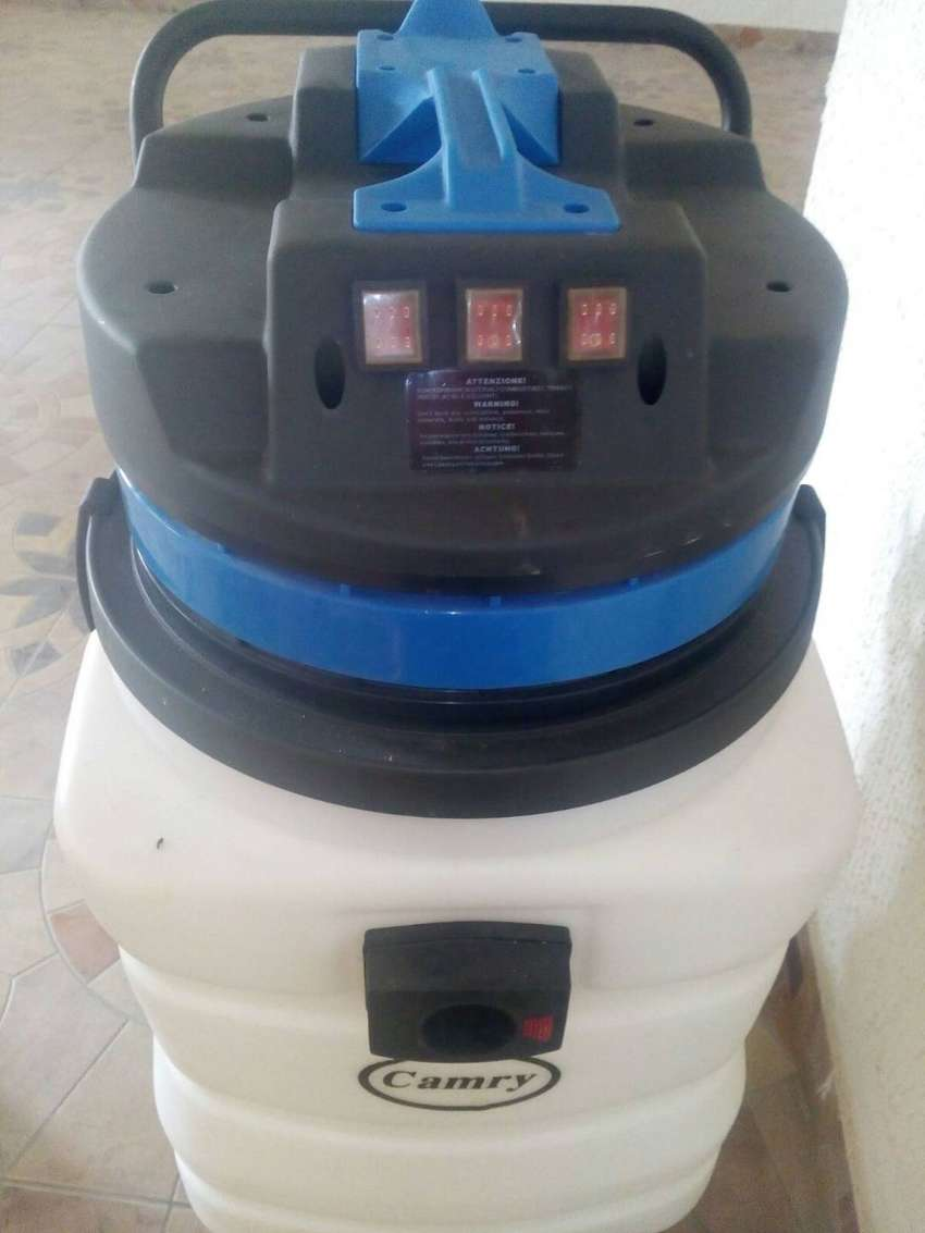 90 LITERS INDUSTRIAL WET and DRY VACUUM CLEANER WITH ACCESSORIES. 0