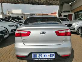2018 KIA Rio 1.4 engine capacity sedan.