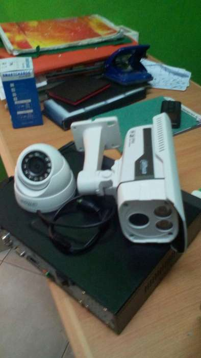 High Definition Cctv Cameras with IR 20m and Accessories 0