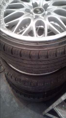 18INCH REZAX MAGS WITH NEW TYRES