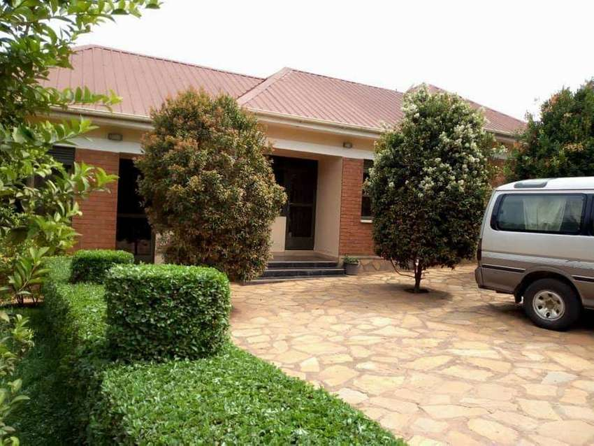 Posh fully furnished double room for rent in Kisaasi at 600k 0