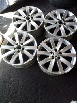 "Golf 5 , Jetta 5  Original set of rims 17"" pcd 5* 112"