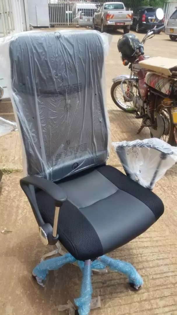 High back Netted office chair 0