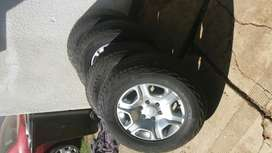 Ford Ranger rims and tyres T6